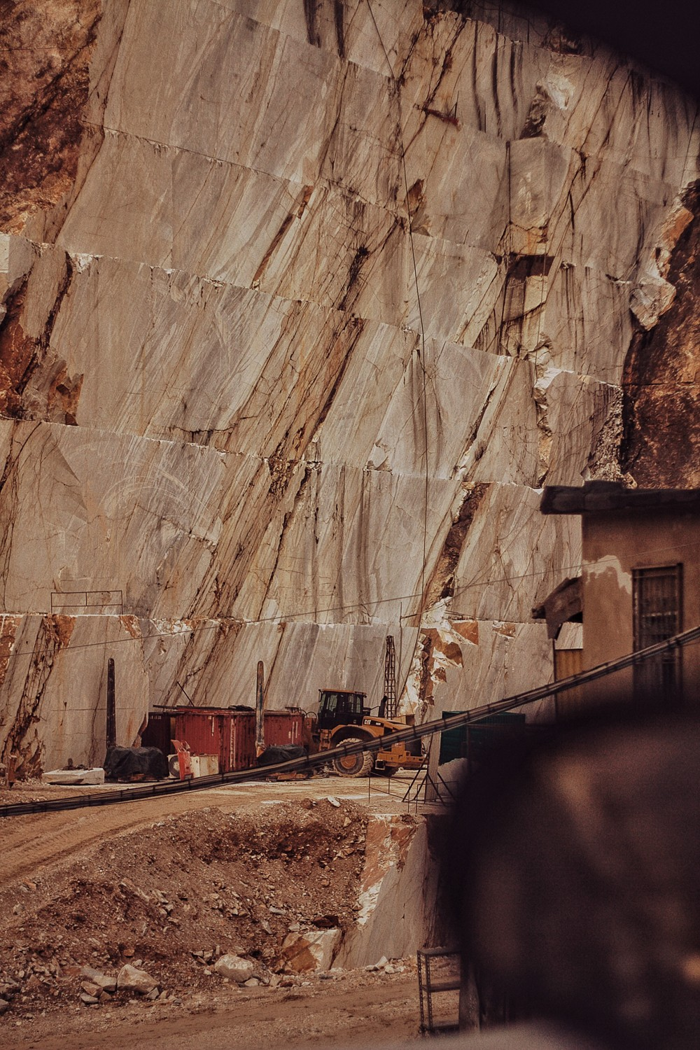 carrara marble caves